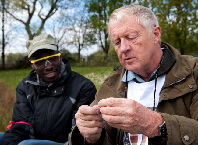 CHRIS TARRANT SHOW A SOLDIER HOW TO TIE ON A FLY